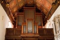 pipe-organ-in-church-11288023147MRq2
